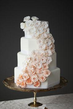 El mejor pastel para tu boda <3