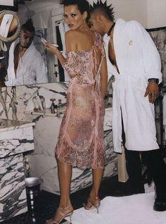 Kate Moss by Mario Testino #style #fashion #pinkdress