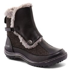 Buy Women's Boots Online in Canada | SHOEme.ca