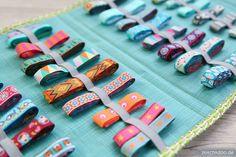 stitchydoo: No more webband mess thanks to Webbandhotel by greenfietsen – E … - Easy Yarn Crafts Sewing Room Storage, Craft Room Storage, Sewing Rooms, Craft Organization, Ribbon Storage, Diy Ribbon, Easy Yarn Crafts, Diy And Crafts, Space Crafts