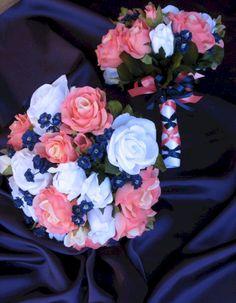 One of the hot new styles is the contemporary orange and blue wedding. And one of the highlights of a wedding is a bouquet of flowers. Interesting indeed speaks bouquet. Navy Bouquet, Bride Bouquets, Small Bouquet, Navy Wedding Flowers, Wedding Colors, Coral Navy Weddings, Navy Flowers, Wedding Blue, Bridal Flowers