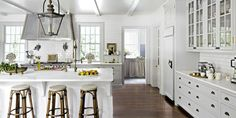 White Kitchen Cabinets with Stainless Appliances New 8 Gorgeous Kitchen Trends that Will Be Huge In 2018 Photos Kitchen Inspirations, Gorgeous Kitchens, Bakery Kitchen, White Kitchen Design, Kitchen Interior, Home Kitchens, Home, Kitchen Trends, Kitchen Remodel