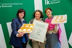 Pünktlich zum Faschingsbeginn hat die LK Steiermark zum ersten Mal die besten und schönsten Krapfen heimischer Bäuerinnen gekürt. Cereal, Breakfast, Food, Fritters, Morning Coffee, Meal, Essen, Hoods, Meals