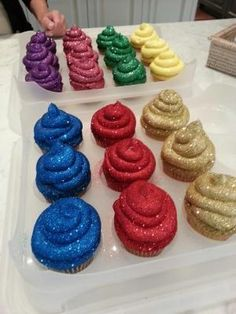 How to make Glitterbomb Cupcakes - Ross Sveback (pretty sure I know someone close to this brilliant baker!) by elinor