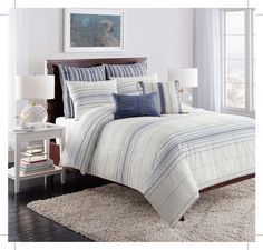 Cupcakes and Cashmere brings you a bedding line that elevates every day life. Timeless and fresh, these bedding styles will bring a sophisticated an fun feel to your space.