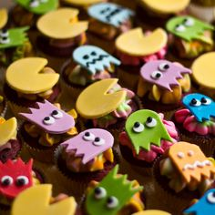 Pac-Man Cupcakes - by English Cake Lady Website || Flickr || Facebook