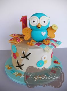 I normally dont like to 'repeat' my designs, but the client requested a cake… Owl Birthday Parties, 1st Birthday Cakes, Baby Boy 1st Birthday, Birthday Ideas, Pretty Cakes, Cute Cakes, Owl Cakes, Cakes For Boys, Fancy Cakes