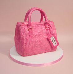 Handbag birthday cake Fondant Bow, Fondant Flowers, Fondant Cakes, 3d Cakes, Chocolate Gum, Chocolate Fondant, Modeling Chocolate, Rose Cake Tutorial, Fondant Figures Tutorial