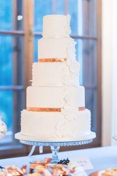 Wintertime Love in Blau und Kupfer Fotograf und Fee http://www.hochzeitswahn.de/hochzeitstrends/wintertime-love-in-blau-und-kupfer/ #wedding #mariage #cake