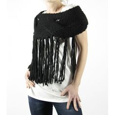 Fantastic wool wrap!  Great with a white camixa.com shirt!