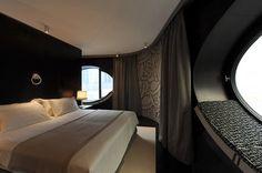 New Design Hotel Topazz In Vienna's Smallest Central Building Sites… Luxury Hotel Design, Hotel Room Design, Luxury Hotels, Home Bedroom, Modern Bedroom, Hotels In Bangkok, Central Building, Vienna Hotel, Pallet House