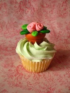 Flower Pot Cupcake Topper Tutorial