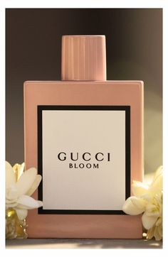 What it is: An unexpectedly rich white-floral scent capturing the spirit of the contemporary, diverse and authentic Gucci woman.