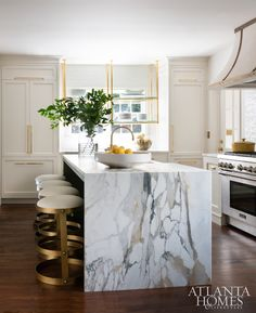 Kitchen Living Rooms marble slab waterfall island kitchen - I'm so in love with this beautiful home designed by Melanie Turner! The marble slab waterfall kitchen island is absolutely. Classic Kitchen, New Kitchen, Kitchen Decor, Kitchen Ideas, Kitchen Interior, Gold Kitchen, French Kitchen, Decorating Kitchen, Marble Interior