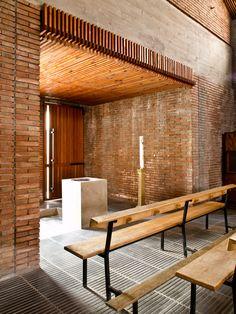 MBM. Iglesia del Redentor. 1957-1968 PA210788_1 Brick, Pergola, Barcelona, Construction, Exterior, Outdoor Structures, Architecture, Spain, Amazing