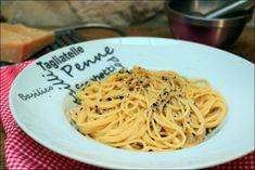 Grand classique de la cuisine romaine, les pâtes cacio e pepe (au fromage et au poivre) ne nécessitent que trois ingrédients et sont rapides à réaliser #happypapilles #cuisineitalienne #cacioepepe #fromagee #poivre #spaghetti #pâtes #pastafoodrecipes #pastarecipes #pasta #pecorino #cuisinefacilerapide #cuisinefacilerecette #cuisinefacilevegetarienne #recettesbioetsaines #recetteitalienne #recettedepates #pates #laurentmariotte