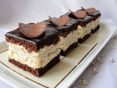 Ala piecze i gotuje Hungarian Desserts, Cake Recipes, Dessert Recipes, Elegant Desserts, Polish Recipes, Pastry Cake, Dessert Drinks, Food Cakes, Savoury Cake