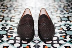 Visit Santoni s online boutique and discover the new collection  handmade  shoes and accessories ddb147203ed
