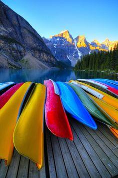 Moraine Lake Alberta Canada.. adventure travel in canoa!