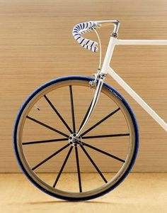 white and blue - navy fixie Velo Design, Bicycle Design, Fixed Gear Bicycle, Motorized Bicycle, Road Bikes, Cycling Bikes, Road Cycling, Tricycle, Bici Fixed