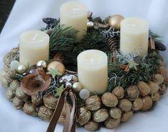#advent #decoration #Adventskranz #gold #weiss #gold  #white #whreat #christmas #Dekoration #Weihnachten #Floristik #walnüsse #nuts