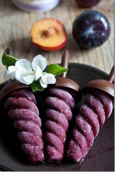 Plum sorbet & red wine pops