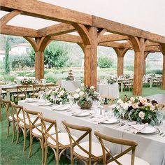 STÓŁ LETNI. Na co się nadaje? Na letnią konferencję na świeżym powietrzu, uroczysty zjazd gości, kolację biznesową w ogrodzie.