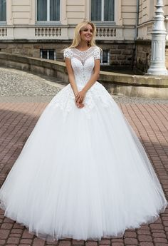 Abriana gown