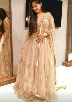 Jannat Zubair looks enchanting in golden outfits and we can't stop staring Indian Wedding Outfits, Indian Outfits, Party Wear Dresses, Bridal Dresses, Wedding Gowns, Indian Designer Outfits, Designer Dresses, Lehnga Dress, Lehenga Choli