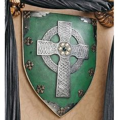 Amazon.com: Design Toscano CL41032 Celtic Warriors Sculptural Wall Shield: Home & Kitchen