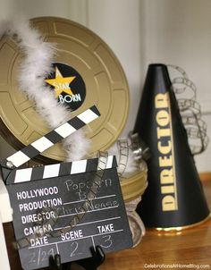 Awards Night Viewing-Party - thematische Requisiten aus Film Source by Deco Cinema, Cinema Party, Movie Themes, Party Themes, Movie Theme Decorations, Hollywood Party Decorations, Movie Ideas, Party Ideas, Movie Night Party