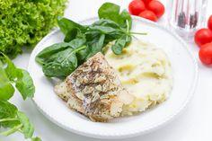 Dorsz w ziołach i czosnku z puree ziemniaczano-groszkowym. Letni obiad z rybą w roli głównej #Intermarche #Ryby #dorsz #inspiracje