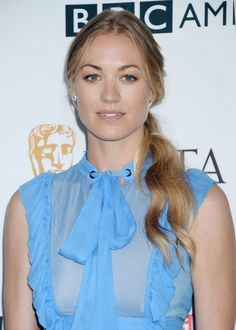 Yvonne Strahovski Hot Body Sexy Pictures Bikini Feet Leaked Wallpapers Hottest Young Actresses, Prettiest Actresses, Beautiful Actresses, Hollywood Actress Photos, Yvonne Strahovski, Actrices Hollywood, Girls Gallery, Wonder Women, Belleza Natural
