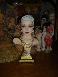 *** Il sagit dun vintage original magasin années 1930 chalkware art déco mannequin buste qui est une petite très rare taille env. 16 1/2 de haut