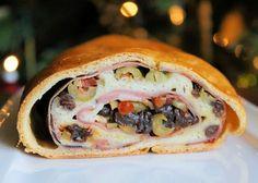 Pan de jamon (kerstbrood met ham) from the ANTILLES Bread Recipes, Cooking Recipes, Venezuelan Food, Christmas Bread, Caribbean Recipes, Caribbean Food, Stuffing Recipes, Exotic Food, Latin Food