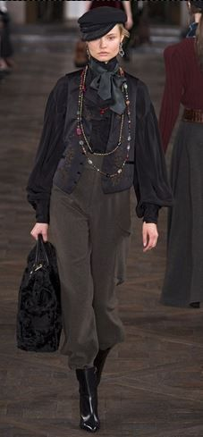 Ralph Lauren FW2013 - Big cossacks and a Black Shirts with a layers at the front and big bows