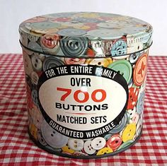 Vintage Advertising Tin for Buttons, Button Images All Around, Buttons Inside❤❤❤