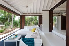 A Small but Relaxing Tropical Beach Home in Australia