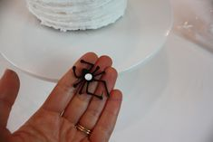 Learn how to make a creepy chocolate spider cake in this free tutorial by MyCakeSchool.com! Perfect for Halloween parties!