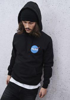 Nasa, Herren Style, Herren Outfit, Mode Online, Models, Hoodies, Sweatshirts, Graphic Sweatshirt, Sweaters