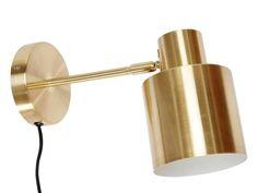 Met deze goudkleurige wandlamp van Hübsch haal je een stukje design in huis