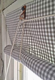 Never Worry About Vertical Blind Again – TRENDS U NEED TO KNOW Vertical blinds are a great alternative to traditional Curtains because they offer similar light excluding capabilities, while offering the added bene… Diy Blinds, Curtains With Blinds, Drapes Curtains, Diy Roller Blinds, Roll Up Curtains, Drapery, House Blinds, Blinds For Windows, Window Coverings