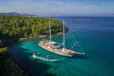 #yacht #charter #Croatia #discounts Yacht Charter Croatia, Luxury Sailing Yachts, Yacht Cruises, Air Conditioning System, Tall Ships, Fishing Equipment, Snorkeling, Sailing Ships, Kayaking