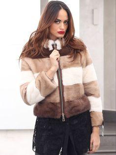 I love Fur and Ladies in Fur Fur Fashion, Fashion Outfits, Mink Fur, Mink Vest, Fur Accessories, Fabulous Furs, Vintage Fur, Street Style Trends, Valentino