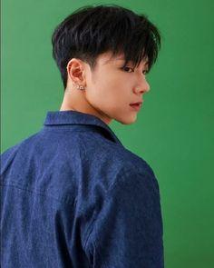 Korean Haircut Men, Korean Boy Hairstyle, Asian Man Haircut, Korean Short Hair, Korean Hairstyles For Men, Korean Men Hair, Asian Hair Men, Medium Hair Cuts, Short Hair Cuts