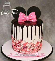 Minni Mouse Cake, Minnie Mouse Birthday Cakes, 4th Birthday Cakes, Mickey Mouse Birthday, Birthday Ideas, Bolo Minnie, Minnie Cake, Cupcakes, Cupcake Cakes
