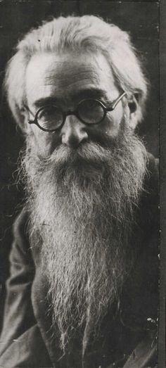 Ramón María del Valle-Inclán y de la Peña (1866 – 1936), Spanish dramatist, novelist and member of the Spanish Generation of 98.
