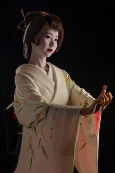 John Paul Foster - A Photographer of Geisha, Maiko, and Kyoto