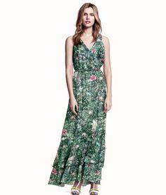 H&M Conscious Collection green floral maxi dress Maxi Floral, Cheap Maxi Dresses, Fringe Dress, Dress Lace, Fashion Dresses, Beauty, Ruffle Trim, Safari Dress, Sustainable Style