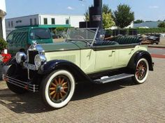 A TRUE classic! The year was 1928. A true Buick beauty.